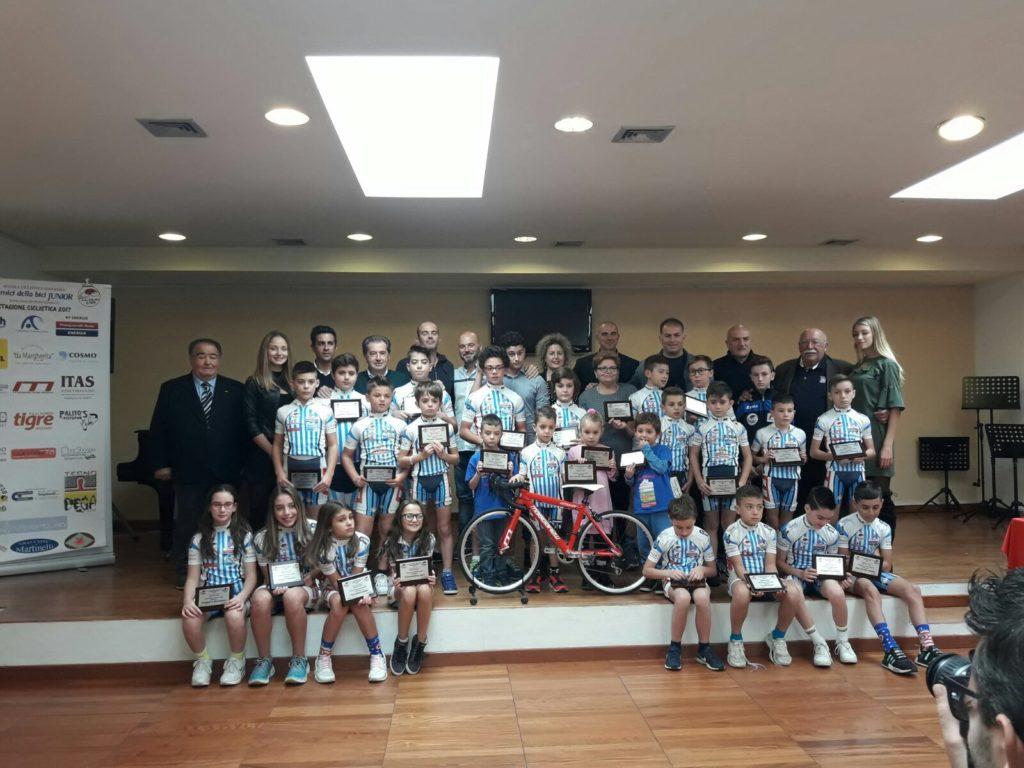 Pescara premiati 40 allievi della scuola ciclistica for Scuola di moda pescara