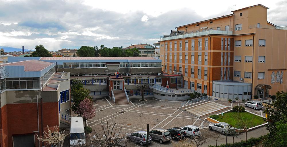 Pescara la scuola domus mariae si trasferisce in via for Scuola di moda pescara